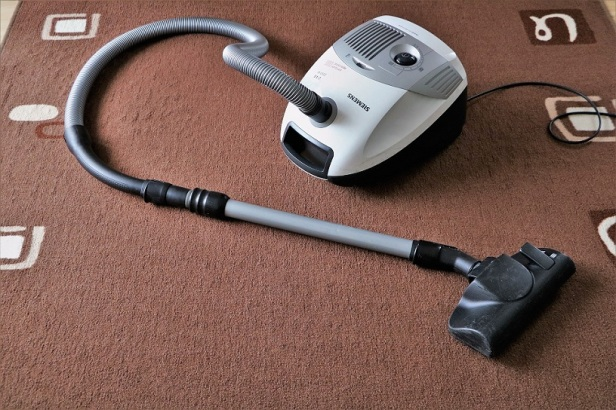 vacuum-cleaner-small